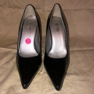Perfect condition shiny black high heels !